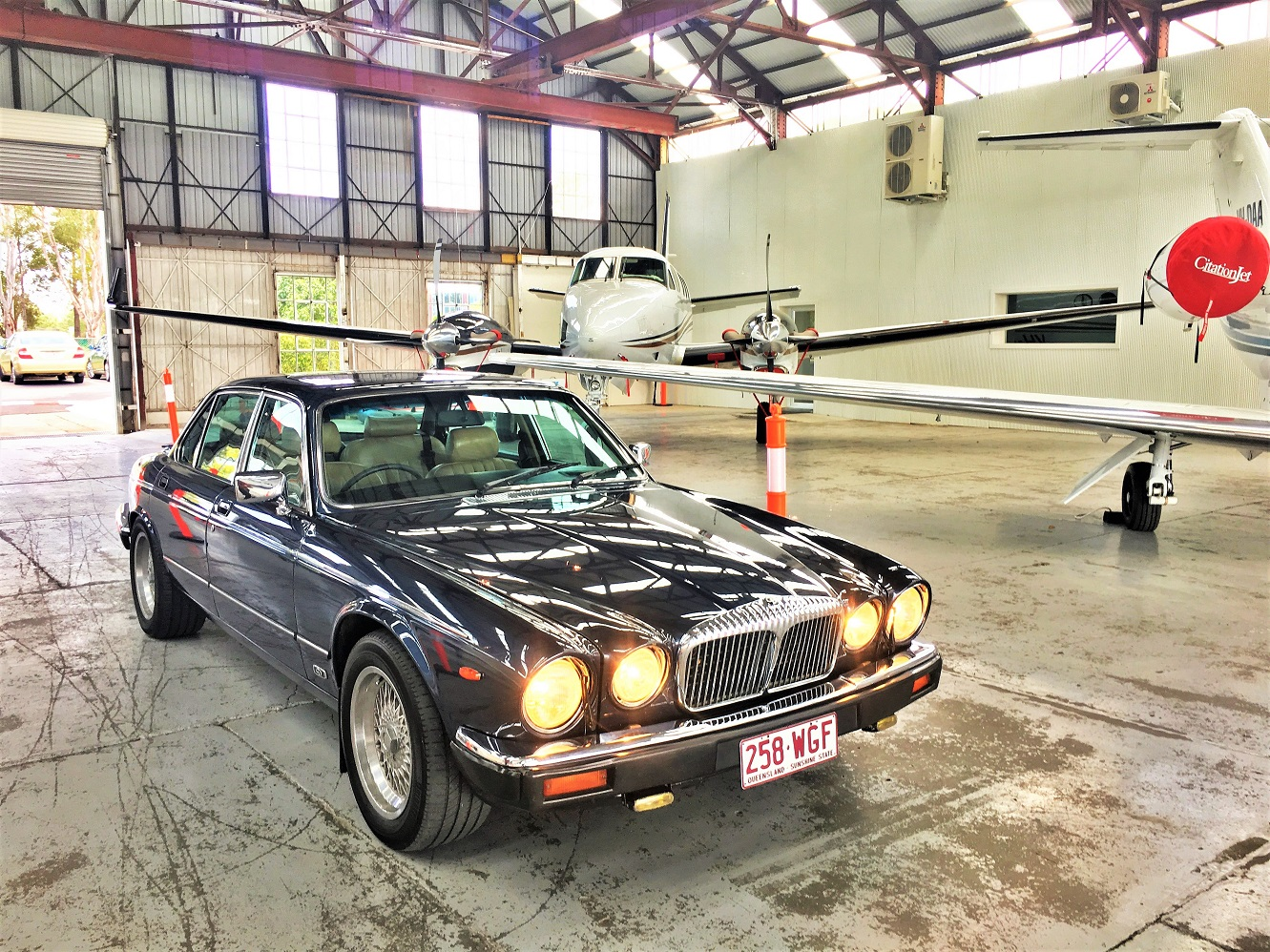 """Darcy"" – 1987 Daimler Double Six"